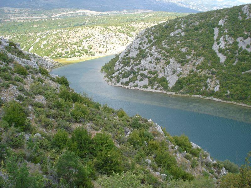 zmanja river